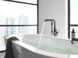 Grohe Essence egykaros kádtöltő és zuhanycsap szabadon álló kádakhoz